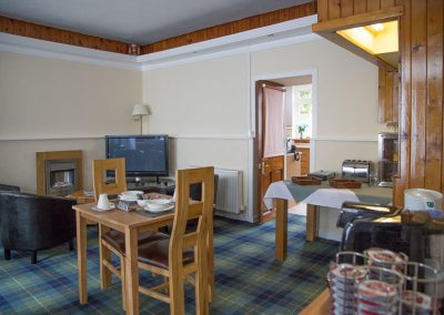 troutfly-breakfast-room