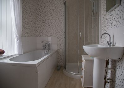 troutfly-double-bedroom-private-bathroom